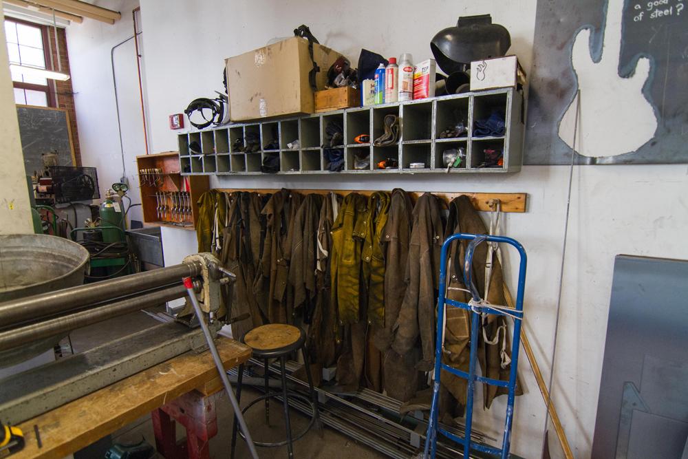 Metal Shop 122